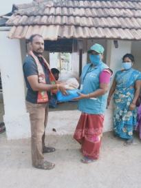 தூய்மை பணியாளர்களுக்கு நிவாரண பொருட்கள் வழங்குதல்- ஆத்தூர்