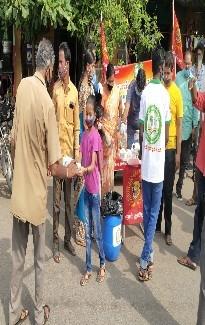 புதுச்சேரி இந்திராநகர் தொகுதியில் கபசுரகுடிநீர் வழங்குதல்