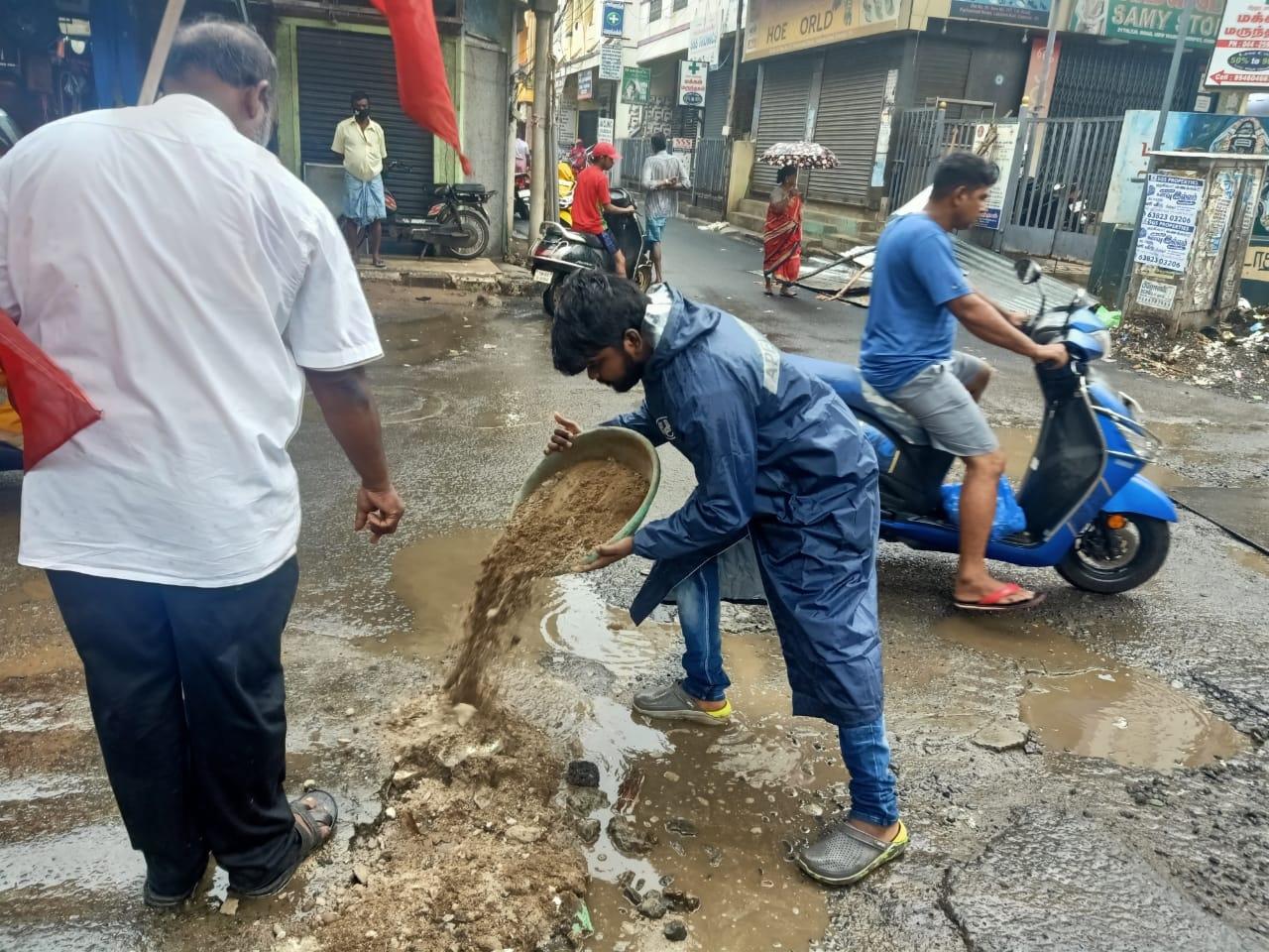 திருவொற்றியூர் -  நெடுஞ்சாலை சீரமைப்பு பணி